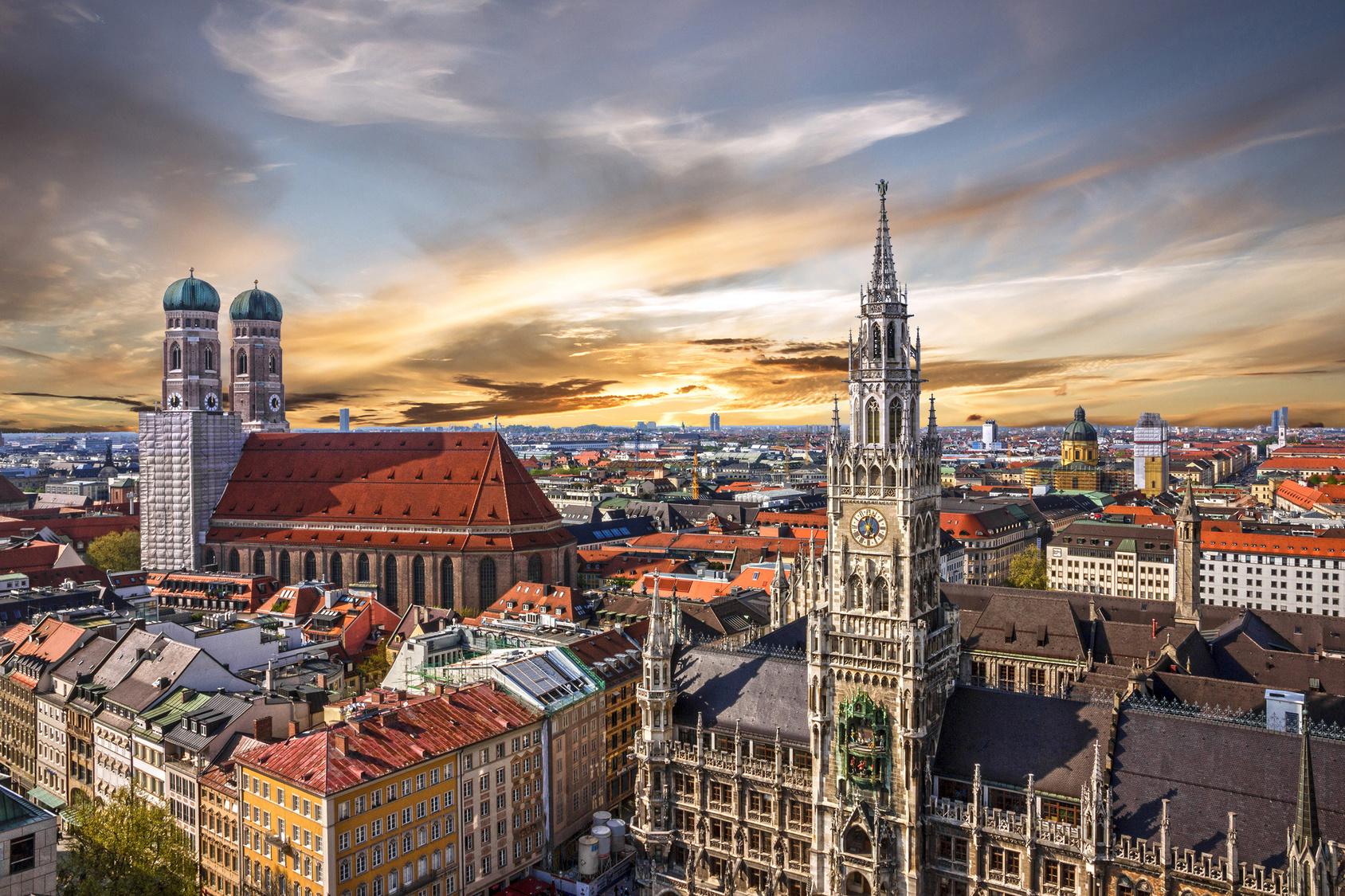 Luftaufnahme vom Marienplatz in der Münchner Innenstadt.