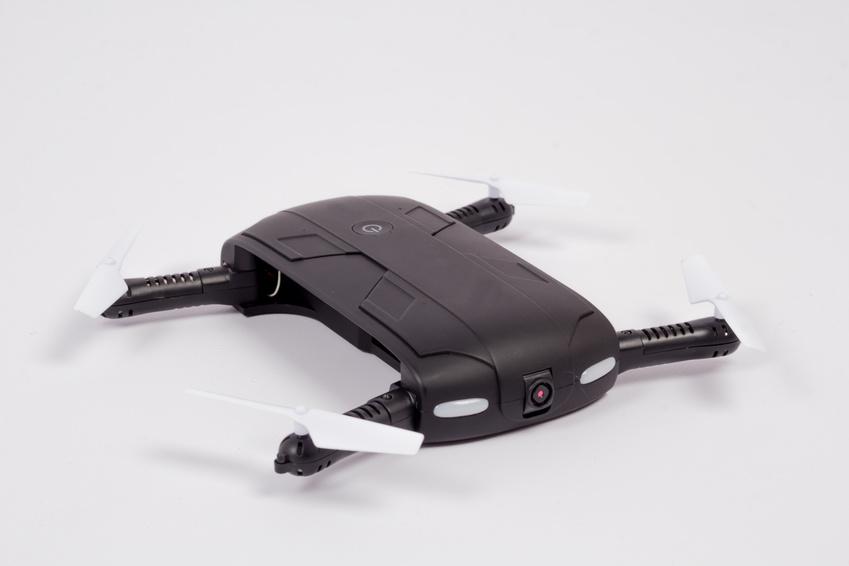 Schwarze, faltbare Drohne